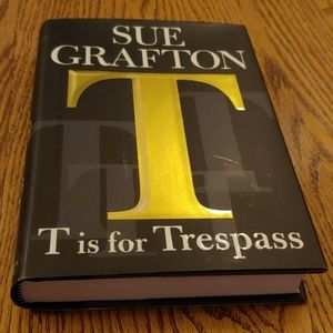 Sue Grafton hardback book